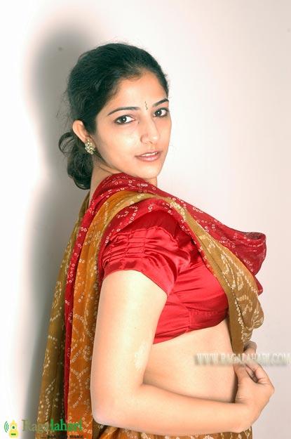 Nishanti Evani Cleavage Pics