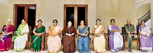 Jayalalitha 39 s lovable lunch to yesteryear heroines at poes Jayalalitha house poes garden photos