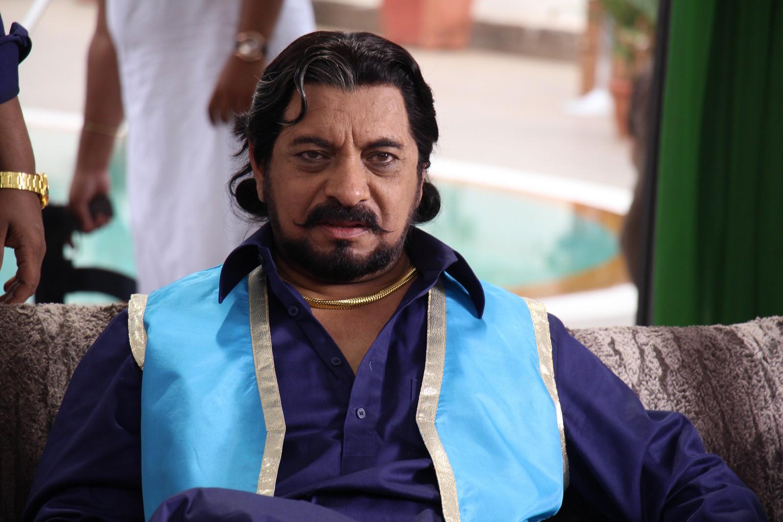 "Rajesh Bakshi to play main villain's role in movie ""Cash Hai Toh Aish Hai', to Don Pran's get up from movie Zanjeer"