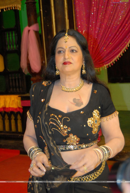 jyothi lakshmi photo gallery