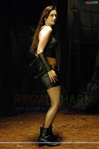 Kaveri Jha Photo Gallery/Wallpapers From Naa Girlfriend Baaga Rich